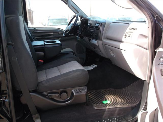 2006 Ford F-350 Super Duty XLT Crew Cab Dually - Photo 18 - Brighton, CO 80603