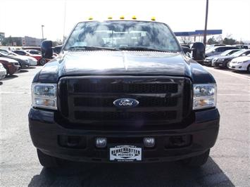 2006 Ford F-350 Super Duty XLT Crew Cab Dually - Photo 8 - Brighton, CO 80603