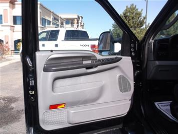 2006 Ford F-350 Super Duty XLT Crew Cab Dually - Photo 13 - Brighton, CO 80603