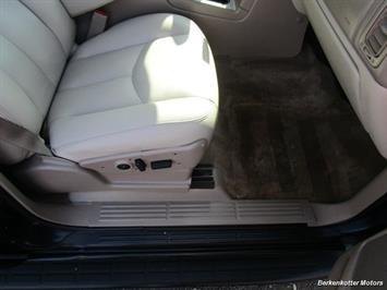 2004 Chevrolet Suburban 1500 LT 4x4 - Photo 24 - Brighton, CO 80603