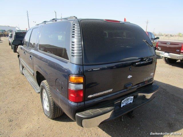 2004 Chevrolet Suburban 1500 LT 4x4 - Photo 5 - Brighton, CO 80603