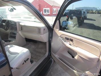 2004 Chevrolet Suburban 1500 LT 4x4 - Photo 22 - Brighton, CO 80603
