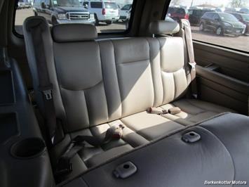 2004 Chevrolet Suburban 1500 LT 4x4 - Photo 30 - Brighton, CO 80603