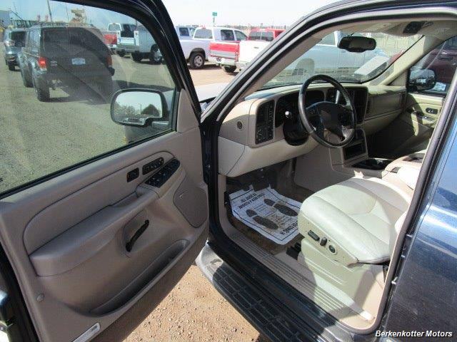 2004 Chevrolet Suburban 1500 LT 4x4 - Photo 15 - Brighton, CO 80603