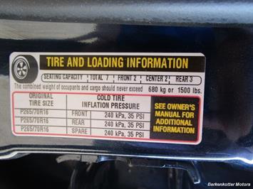 2004 Chevrolet Suburban 1500 LT 4x4 - Photo 35 - Brighton, CO 80603