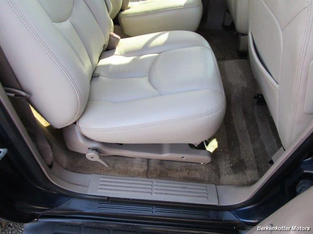 2004 Chevrolet Suburban 1500 LT 4x4 - Photo 28 - Brighton, CO 80603