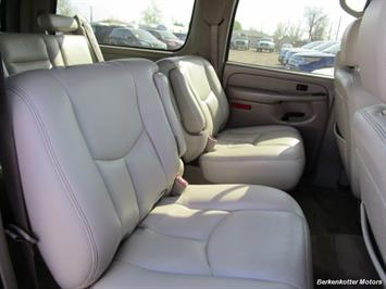 2004 Chevrolet Suburban 1500 LT 4x4 - Photo 29 - Brighton, CO 80603