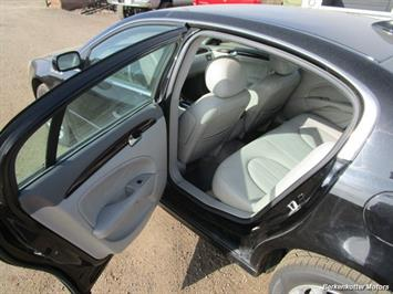 2010 Buick Lucerne CXL - Photo 18 - Brighton, CO 80603