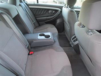 2014 Ford Taurus SEL AWD - Photo 19 - Brighton, CO 80603
