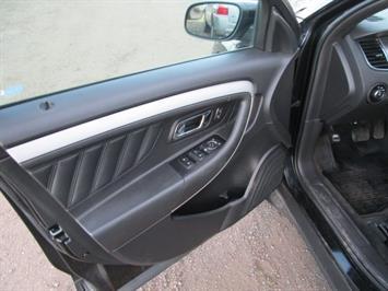 2014 Ford Taurus SEL AWD - Photo 25 - Brighton, CO 80603