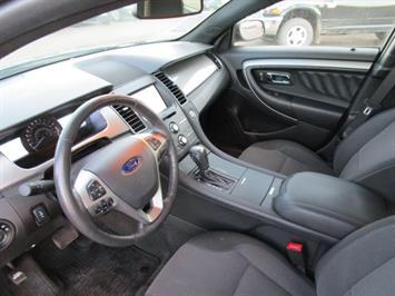 2014 Ford Taurus SEL AWD - Photo 28 - Brighton, CO 80603