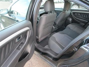 2014 Ford Taurus SEL AWD - Photo 23 - Brighton, CO 80603