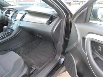 2014 Ford Taurus SEL AWD - Photo 11 - Brighton, CO 80603