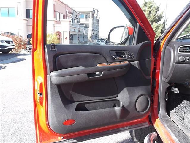 2008 GMC Sierra 2500 SLE Crew Cab 4x4 - Photo 14 - Fountain, CO 80817