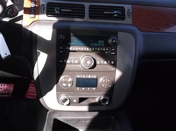 2008 GMC Sierra 2500 SLE Crew Cab 4x4 - Photo 12 - Fountain, CO 80817