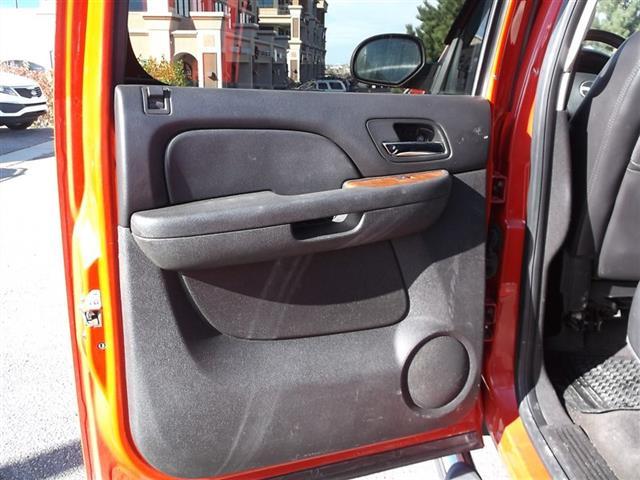 2008 GMC Sierra 2500 SLE Crew Cab 4x4 - Photo 15 - Fountain, CO 80817