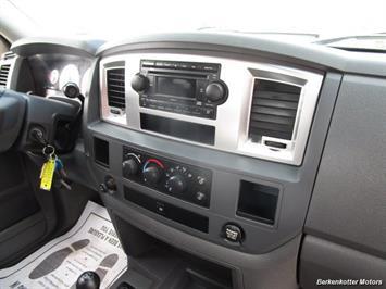 2008 Dodge Ram Chassis 3500 SLT Quad Cab 4x4 Utility Box - Photo 41 - Brighton, CO 80603