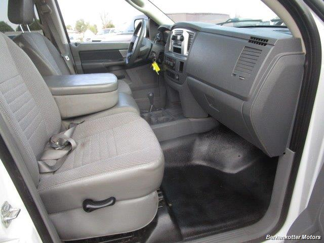 2008 Dodge Ram Chassis 3500 SLT Quad Cab 4x4 Utility Box - Photo 27 - Brighton, CO 80603