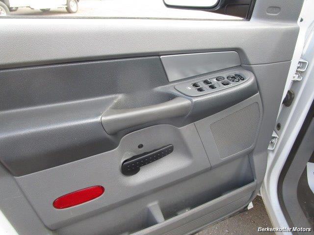 2008 Dodge Ram Chassis 3500 SLT Quad Cab 4x4 Utility Box - Photo 25 - Brighton, CO 80603