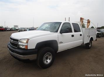 2007 Chevrolet Silverado 3500 Classic LS Crew Cab Utility Box 4x4 - Photo 36 - Castle Rock, CO 80104