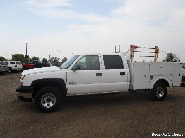 2007 Chevrolet Silverado 3500 Classic LS Crew Cab Utility Box 4x4 - Photo 37 - Castle Rock, CO 80104