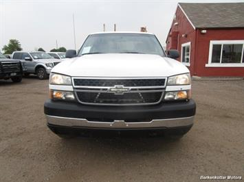 2007 Chevrolet Silverado 3500 Classic LS Crew Cab Utility Box 4x4 - Photo 3 - Castle Rock, CO 80104