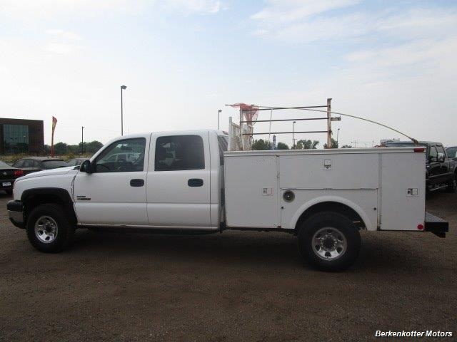 2007 Chevrolet Silverado 3500 Classic LS Crew Cab Utility Box 4x4 - Photo 38 - Castle Rock, CO 80104