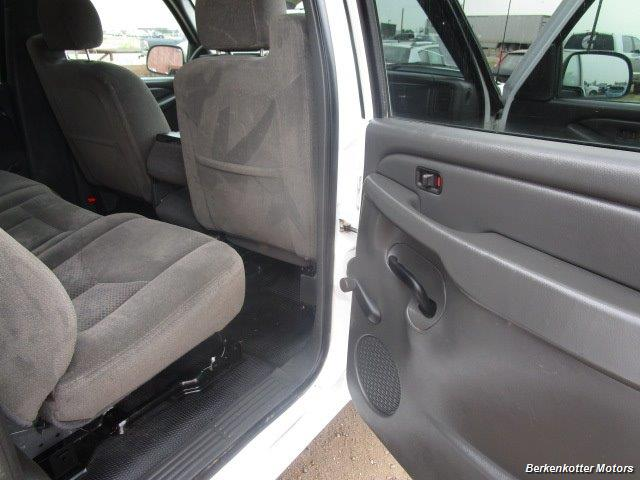 2007 Chevrolet Silverado 3500 Classic LS Crew Cab Utility Box 4x4 - Photo 17 - Castle Rock, CO 80104