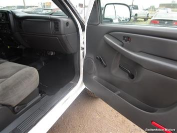 2007 Chevrolet Silverado 3500 Classic LS Crew Cab Utility Box 4x4 - Photo 10 - Castle Rock, CO 80104