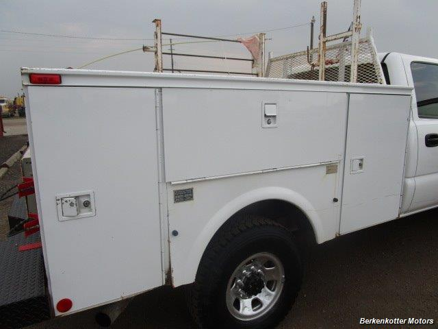 2007 Chevrolet Silverado 3500 Classic LS Crew Cab Utility Box 4x4 - Photo 30 - Castle Rock, CO 80104