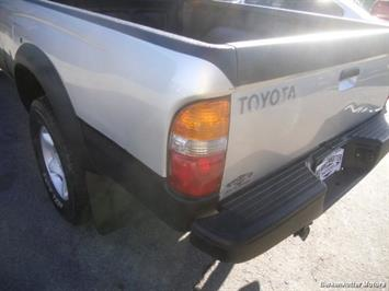 2003 Toyota Tacoma PreRunner V6 - Photo 11 - Brighton, CO 80603