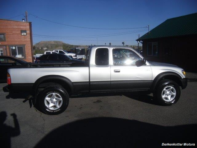 2003 Toyota Tacoma PreRunner V6 - Photo 4 - Brighton, CO 80603