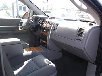 2007 Chrysler Aspen Limited - Photo 26 - Brighton, CO 80603