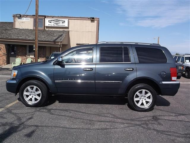 2007 Chrysler Aspen Limited - Photo 2 - Brighton, CO 80603