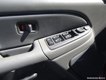 2004 Chevrolet Silverado 2500 LS Crew Cab 4x4 - Photo 39 - Brighton, CO 80603