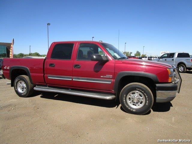 2004 Chevrolet Silverado 2500 LS Crew Cab 4x4 - Photo 2 - Brighton, CO 80603