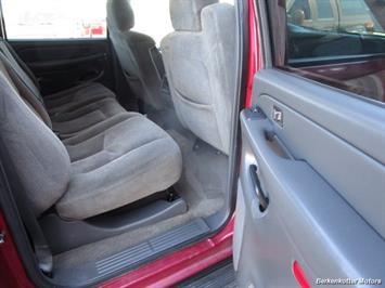 2004 Chevrolet Silverado 2500 LS Crew Cab 4x4 - Photo 24 - Brighton, CO 80603