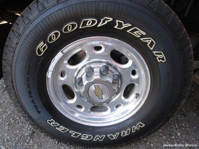 2004 Chevrolet Silverado 2500 LS Crew Cab 4x4 - Photo 29 - Brighton, CO 80603