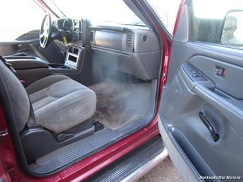 2004 Chevrolet Silverado 2500 LS Crew Cab 4x4 - Photo 14 - Brighton, CO 80603