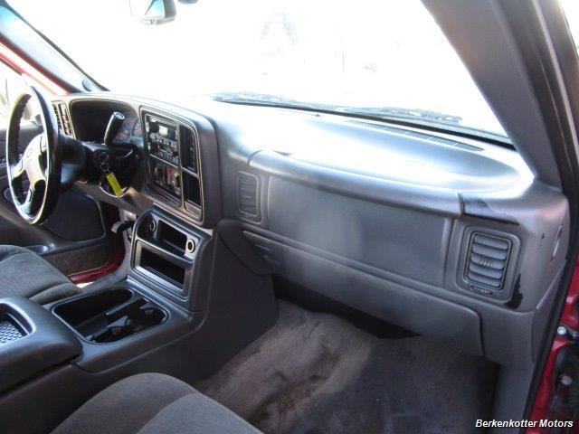 2004 Chevrolet Silverado 2500 LS Crew Cab 4x4 - Photo 19 - Brighton, CO 80603