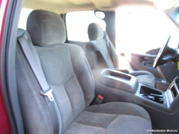 2004 Chevrolet Silverado 2500 LS Crew Cab 4x4 - Photo 17 - Brighton, CO 80603