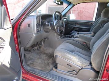 2004 Chevrolet Silverado 2500 LS Crew Cab 4x4 - Photo 33 - Brighton, CO 80603