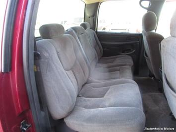 2004 Chevrolet Silverado 2500 LS Crew Cab 4x4 - Photo 26 - Brighton, CO 80603