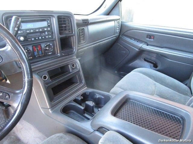 2004 Chevrolet Silverado 2500 LS Crew Cab 4x4 - Photo 31 - Brighton, CO 80603