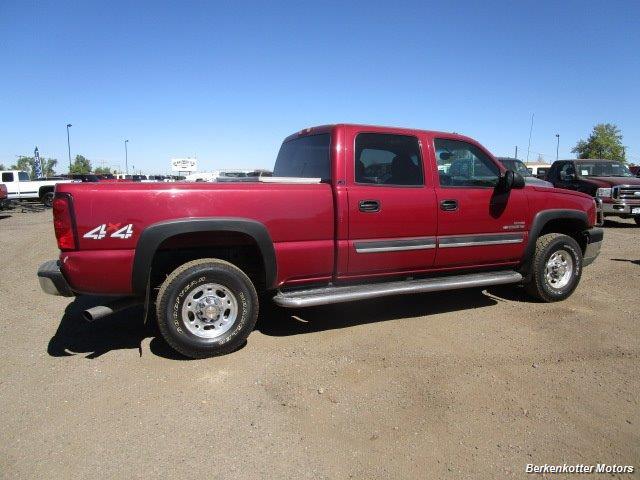 2004 Chevrolet Silverado 2500 LS Crew Cab 4x4 - Photo 4 - Brighton, CO 80603