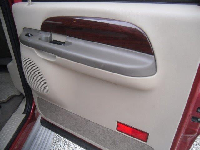 2003 Ford Excursion Eddie Bauer - Photo 33 - Brighton, CO 80603