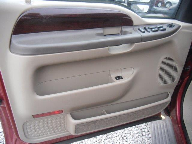 2003 Ford Excursion Eddie Bauer - Photo 22 - Brighton, CO 80603