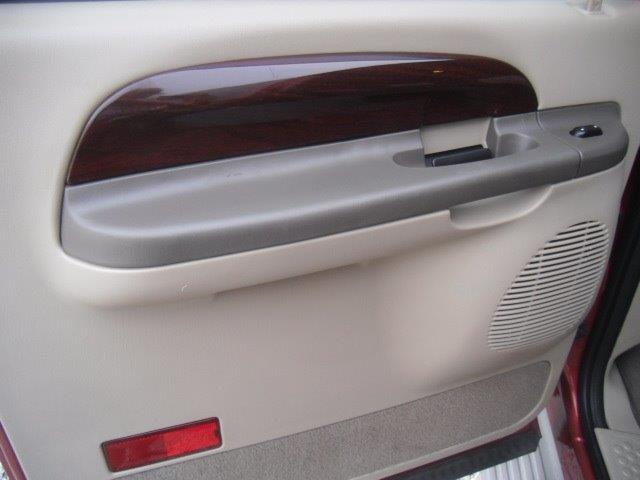 2003 Ford Excursion Eddie Bauer - Photo 27 - Brighton, CO 80603