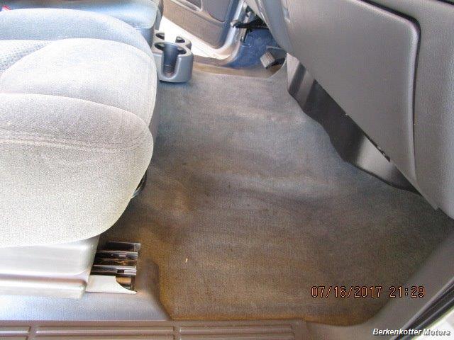 2004 Chevrolet Silverado 2500 LS Extended Cab - Photo 17 - Brighton, CO 80603