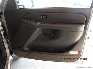 2004 Chevrolet Silverado 2500 LS Extended Cab - Photo 13 - Brighton, CO 80603